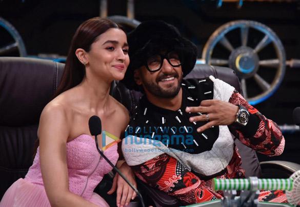 Ranveer Singh and Alia Bhatt promote Gully Boy on Super Dancer Chapter 3 (9)