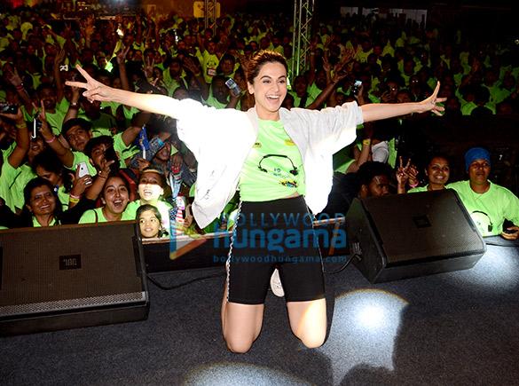 Taapsee Pannu attends Mirchi Neon Run