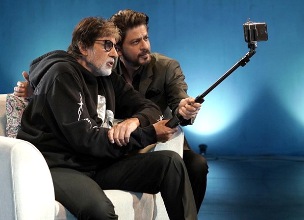 This producer-employee candid of Amitabh Bachchan and Shah Rukh Khan is driving our Monday blues away