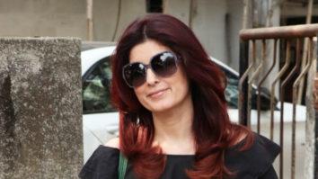 Twinkle Khanna Spotted at Kromakay Salon in Juhu