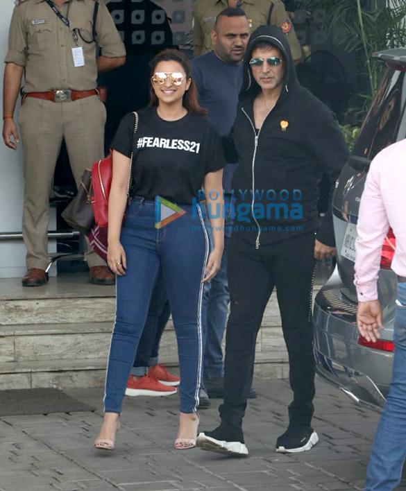 Akshay Kumar and Parineeti Chopra snapped at the airport