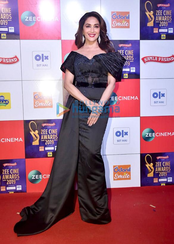 Celebs grace Zee Cine Awards 201956 (3)