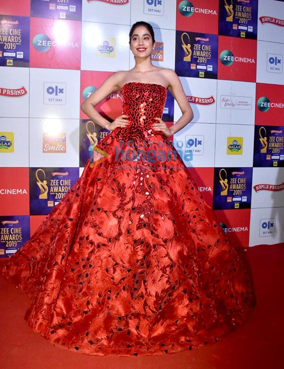 Celebs grace Zee Cine Awards 201956 (5)