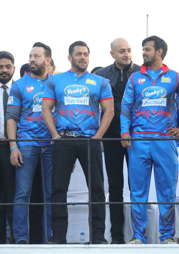 Salman Khan cheers for his team Mumbai Heroes at CCL T10 and fans can't stop going gaga over the superstar on social media