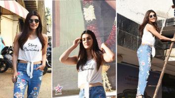 FULL-Kriti-Sanon-visit-Chandan-Cinema-and-PVR-Juhu-for-Luka-Chuppi-Fan-Reaction