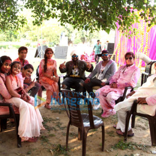 On The Sets from the movie Family of Thakurganj