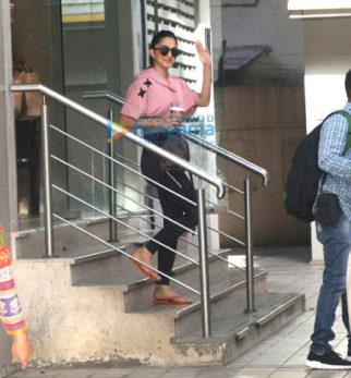 Kiara Advani snapped at the premises of her dance classes in Khar