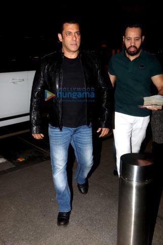 Salman Khan, Sunny Leone, Katrina Kaif and others snapped at the airport