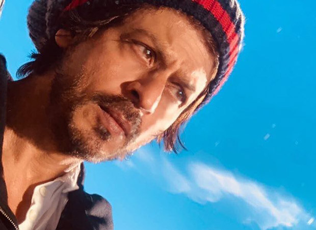 Shah Rukh Khan proves yet again that he is the wittiest of them all with this amazing pun