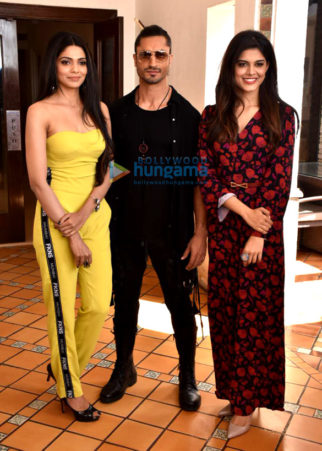 Vidyut Jammwal, Pooja Sawant and Asha Bhatt snapped during Junglee promotions