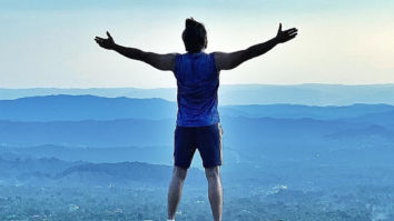 '83: Ranveer Singh is on top of the world, trains with Kabir Khan and team in Dharamshala