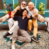 Akshay Kumar is in a happy place with Anupam Kher and Gulshan Grover