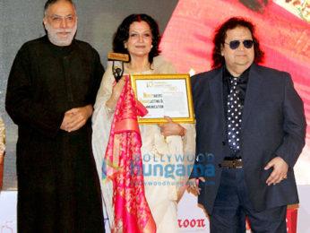 Asha Bhosle, Ankita Lokhande, Moushmi Chatterjee received 10th Newsmakers Achievers Award 2019