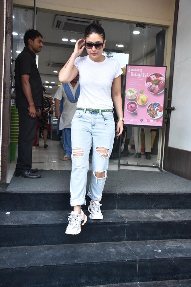 Kareena Kapoor Khan is seen flaunting tattoos and it makes us wonder if she is following her husband Saif Ali Khan's footsteps!