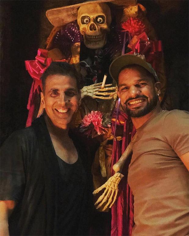 Housefull 4: Akshay Kumar receives a surprise visit from cricketer Shikhar Dhawan