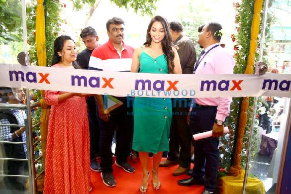 KGF actress Srinidhi Shetty relaunches Max store in Bangalore (1)