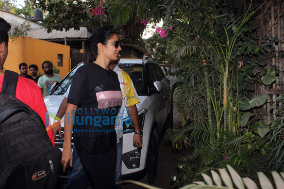 Katrina Kaif, Aditi Rao Hydari and others spotted at Physioflex in Versova (5)
