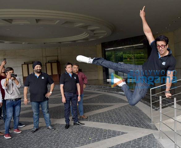 Sonu Sood snapped attending Rhino's Gym press meet (3)