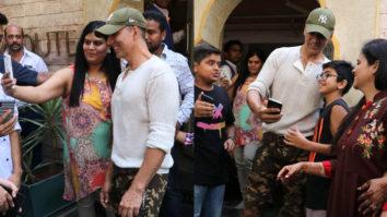 WATCH Akshay Kumar Sweet Gesture towards Fan at Bayroute cafe in Juhu