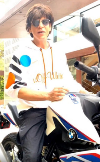 27 Years Of Shah Rukh Khan: This video of SRK recreating Deewana's bike scene will remain iconic