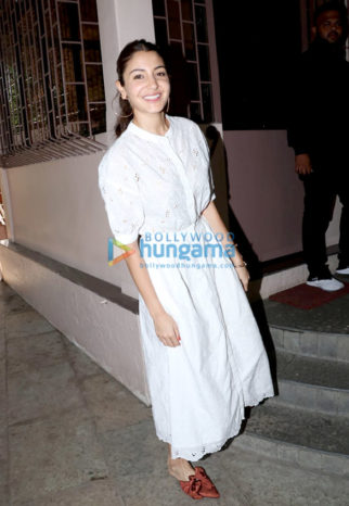 Photo: Anushka Sharma snapped at Shanker Mahadevan's studio Ourple Haze in Bandra