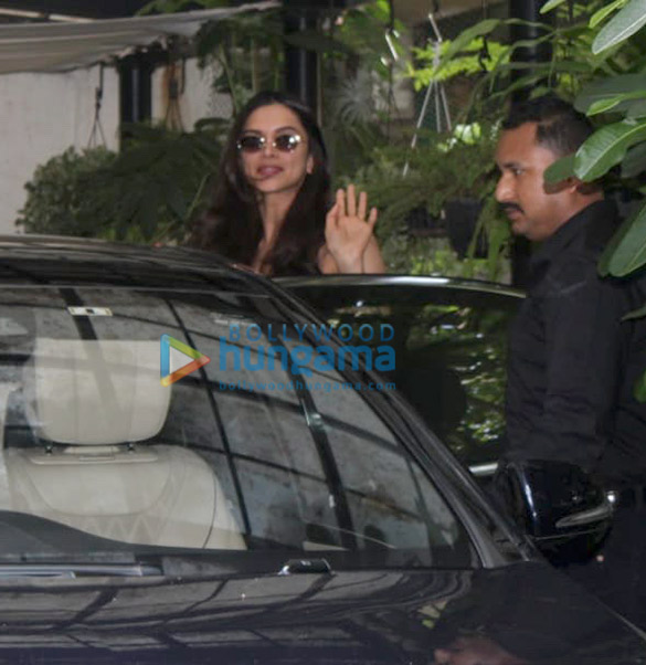 Photos: Deepika Padukone spotted at a salon in Bandra