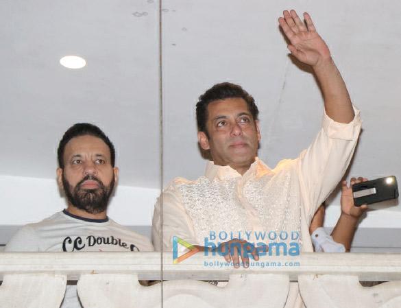 Photos: Salman Khan snapped greeting fans during Eid celebration