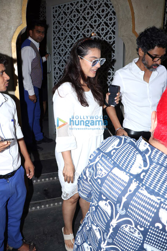 Photos Aftab Shivdasani, Nin Dusanj, Rahul Dev, Mugdha Godse and Kajol snapped at Bayroute in Juhu (1)