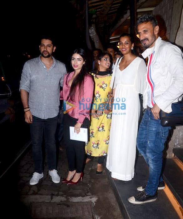 Photos Aftab Shivdasani, Nin Dusanj, Rahul Dev and Mugdha Godse snapped at Bayroute in Juhu (3)