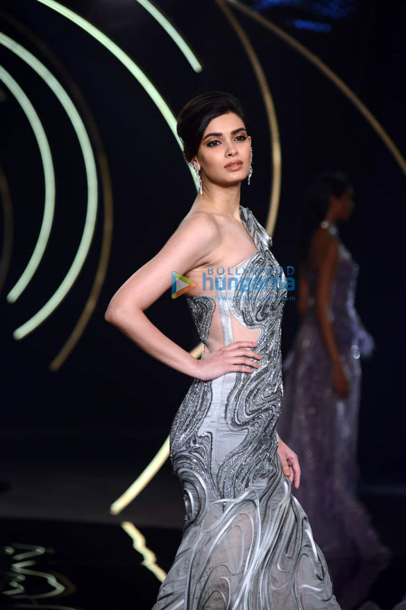 Photos Daina Penty walks the ramp for Gaurav Gupta at India Couture Week 2019 (6)