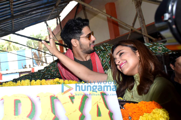 Photos Sidharth Malhotra and Parineeti Chopra grace the launch of the song 'Zilla Hilela' from their film Jabariya Jodi (6)
