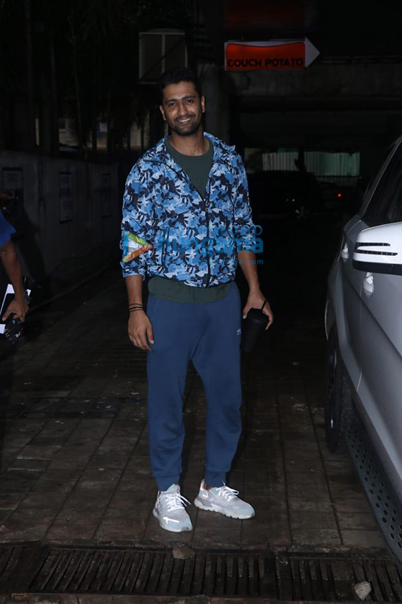 Photos Vicky Kaushal spotted at a dance class in Andheri (2)