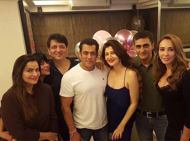 Salman Khan celebrates Sangeeta Bijlani's birthday in style along with friends Iulia Vantur, Daisy Shah, Mohnish Bahl and others