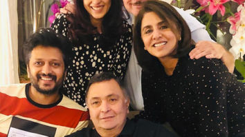 Countdown begins! Rishi Kapoor and Neetu Kapoor pose happily with Riteish and Genelia Deshmukh and Anupam Kher