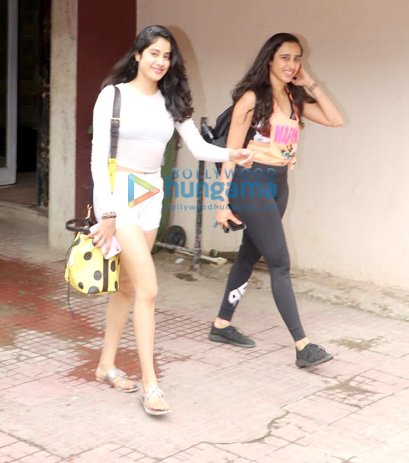 Photos Janhvi Kapoor and Namrata Purohit spotted at the gym (3)