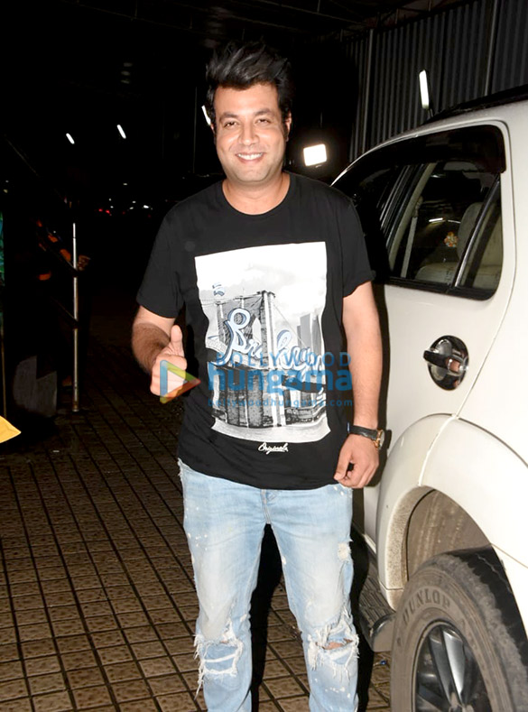 Photos Kriti Sanon, Varun Sharma and Dinesh Vijan spotted at Juhu PVR (5)