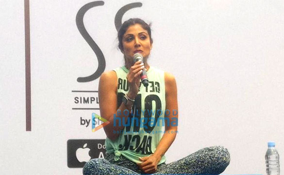 Photos Shilpa Shetty snapped post her yoga session (4)