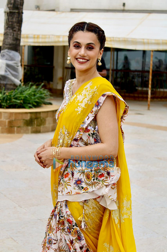 Photos: Taapsee Pannu, Kirti Kulhari and Nithya Menon snapped during 'Mission Mangal' promotions in Juhu