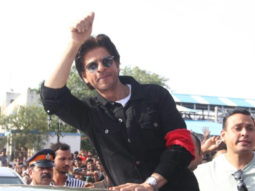 Shah Rukh Khan looks dapper in casuals at an event at Bandra Railway station