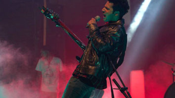Varun Dhawan brings out the rockstar in him and we can't stop fangirling!