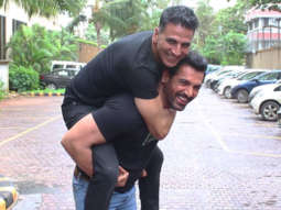 WOW Akshay Kumar & John Abraham, The Desi Boyz Reunite Mission Mangal & Batla House