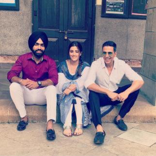 PHOTOS: Akshay Kumar, Ammy Virk and Nupur Sanon shoot for a music video 'Filhaal'