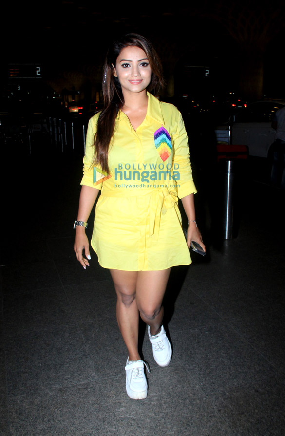 Photos: Adaa Khan, Sohail Khan, Riteish Deshmukh and Yo Yo Honey Singh snapped at the airport