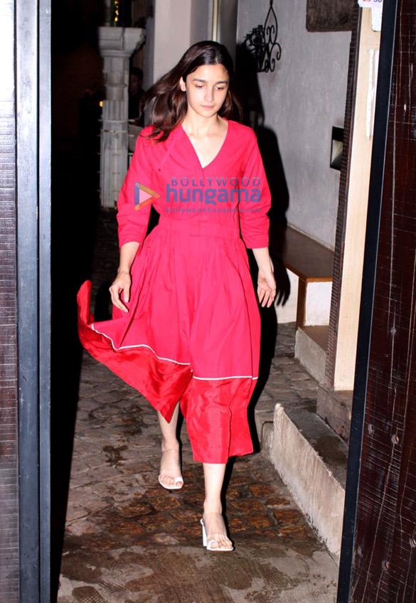 Photos Alia Bhatt spotted at Anil Kapoor's house (2)