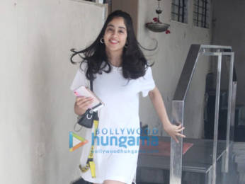 Photos: Janhvi Kapoor spotted at the Matrix office