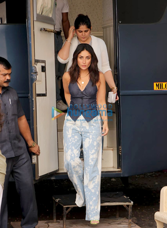 Photos Kareena Kapoor Khan spotted at Mehboob Studio in Bandra for Ishq 104.8 FM (2)