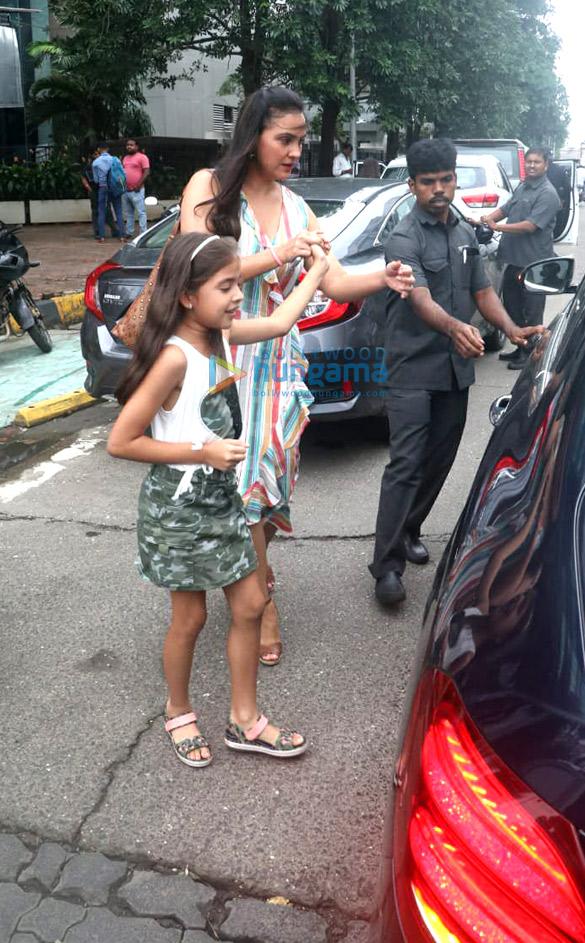 Photos Lara Dutta spotted at Yauatcha in BKC (2)
