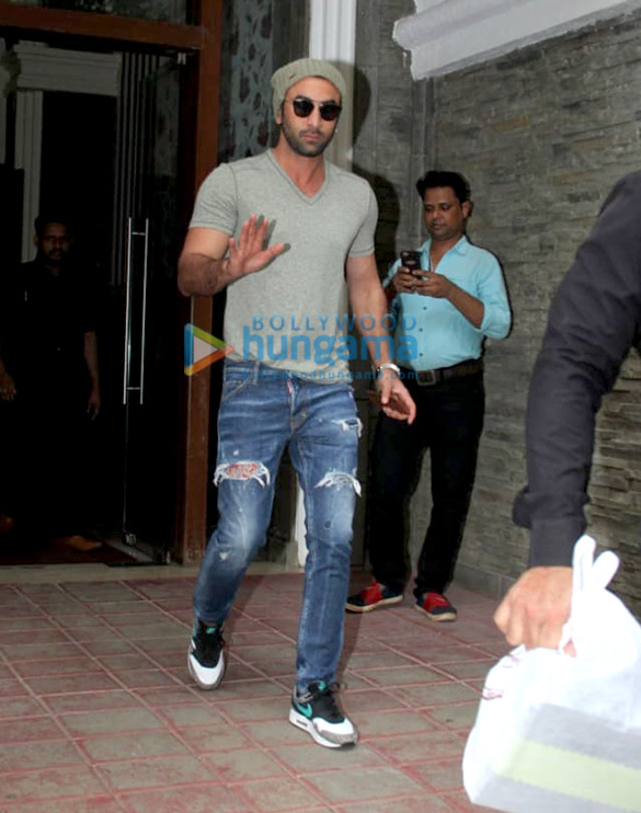 Photos: Ranbir Kapoor spotted at a clinic in Bandra