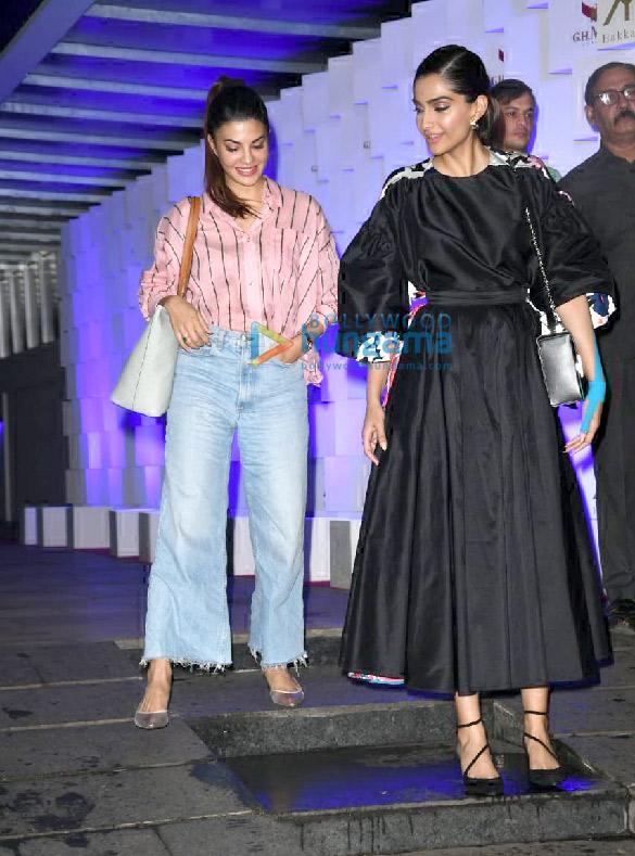 Photos Sonam Kapoor Ahuja and Jacqueline Fernandez spotted at Hakkasan in Bandra (4)