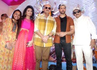 Hrithik Roshan and Rakesh Roshan seek blessings on Durga Ashtami